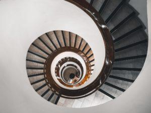 Den nydelige vindeltrappen hos Stockmann, er et godt eksempel på læringskurven under hospiteringsoppholdet.