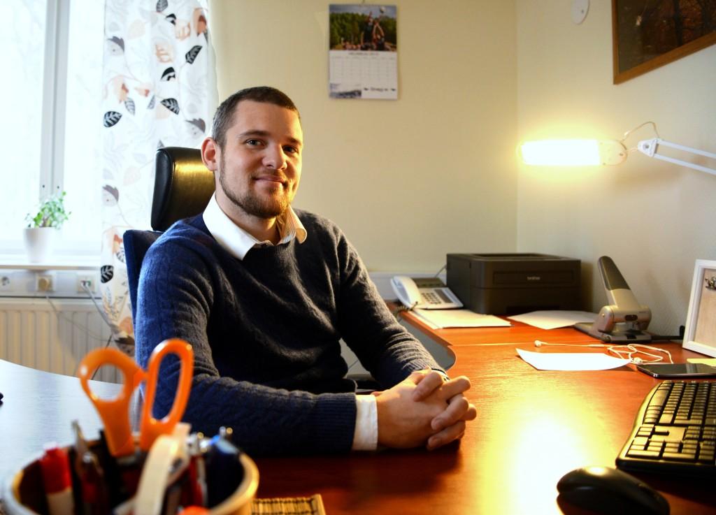 Rasmus Basilier blev kommundirektör i åländska Eckerö vid årsskiftet. Foto: Liz Lindvall