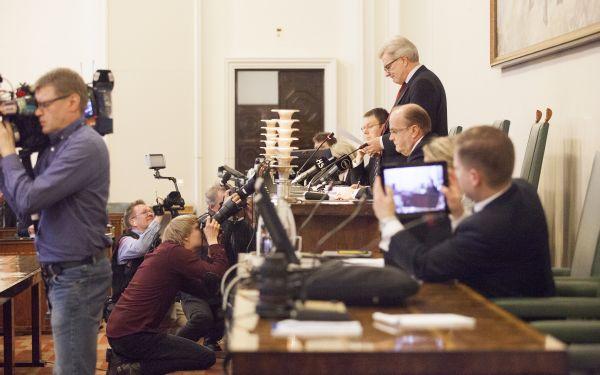 Riksdagens grundlagsutskott stoppade förslaget till vårdreform.