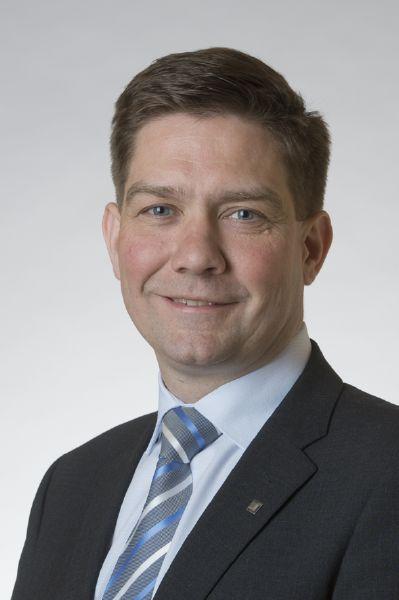Thomas Blomqvist (SFP) är ny ordförande för Svenska Finlands folkting. (Foto: Riksdagen)