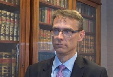 Tuomas Pöysti säger att regionreformen kräver uppbackning av hela regeringen.