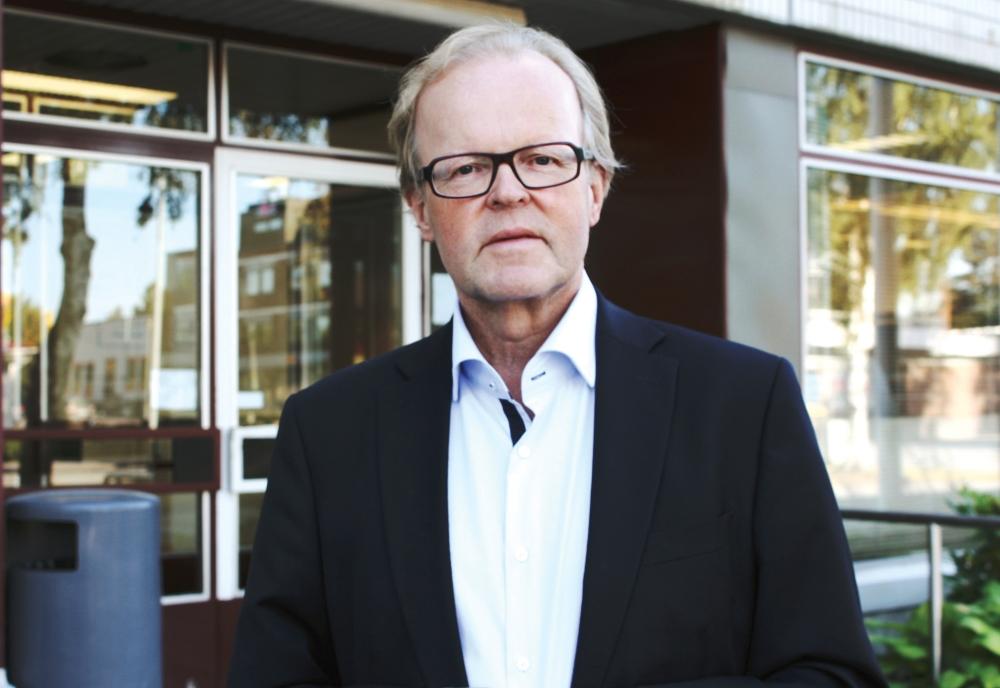 Det är viktigare för mig att budgeten i Nykarleby har ett holistiskt perspektiv än att den innehåller snygga grafer, säger stadsdirektör Gösta Willman i Nykarleby.