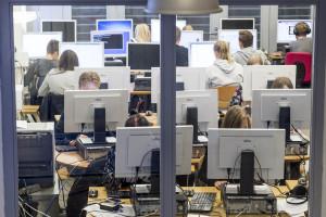 Tietotekniikan käyttö opetuksessa. Helsinge skola Vantaalla 19. lokakuuta 2015.