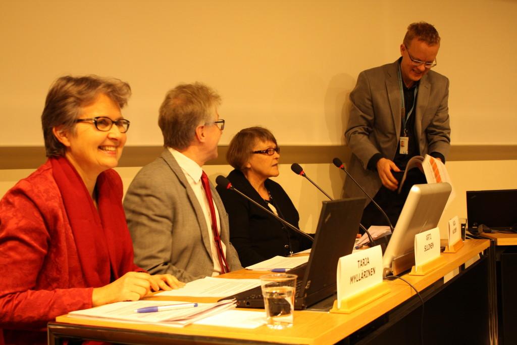 Kommunförbundets första Reformklinik har mottagning på nätet. Från vänster Tarja Myllärinen, Arto Suhonen, Kaija Majoinen och Tero Tyni.