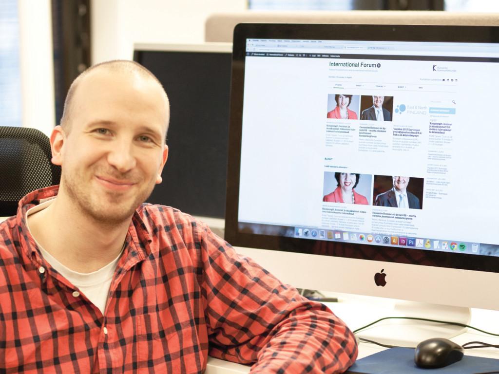 Henri Salonen har skapat den nya sajten International Forum. Foto: Kristina Wikberg