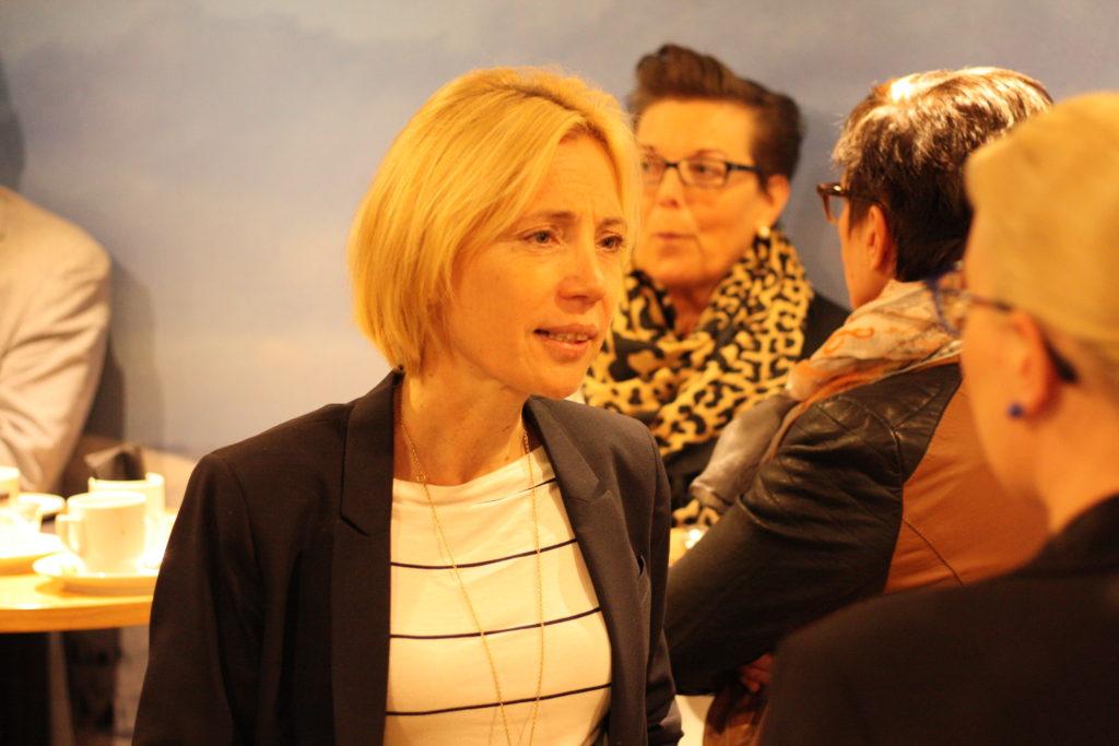 Ekonomi och självbestämmande är viktigt för en minoritet, säger Liliane Kjellman, direktör för svenskspråkig fostran och undervisning i Åbo.