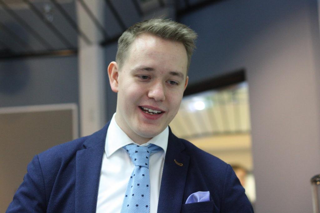 Kimi Uosukainen är ordförande för Nuva Ry,  Förbundet för Finlands Ungdomsråd.