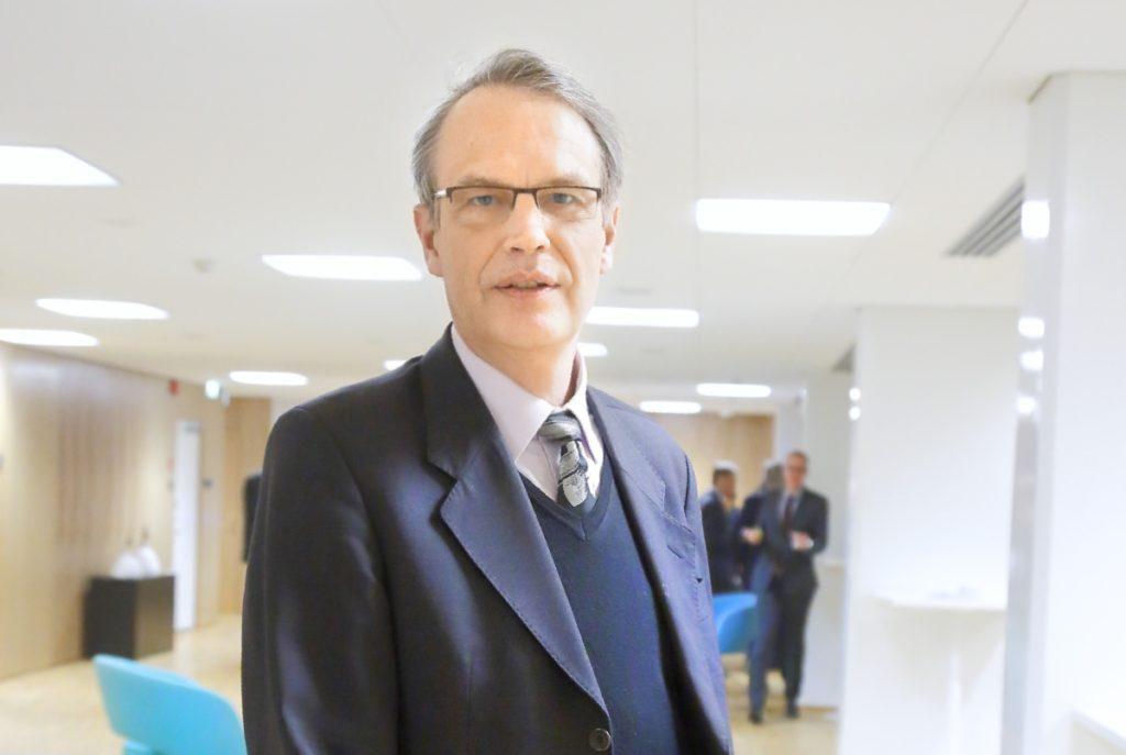 Finland har ett otroligt gott rykte som låntagare. Varför ta onödiga risker? varnar Heikki Niemeläinen, vd för Kommunerans garanticentral.