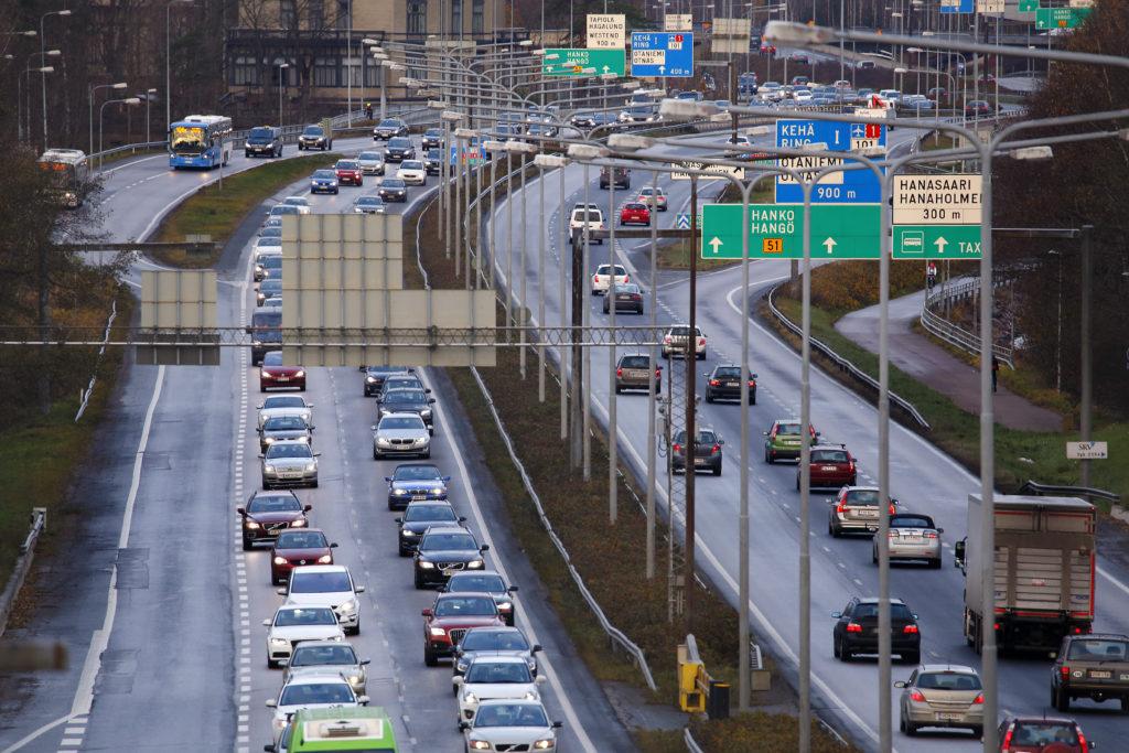 I fjol var antalet körda kilometer med personbilar fyra procent mindre än år 2019.
