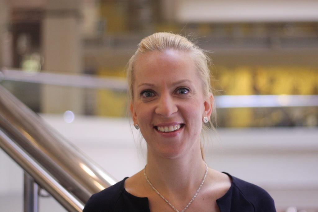 Sandra Bergqvist efterträder Stefan Wallin som SFP:s riksdagsledamot från Egentliga Finlands valkrets.