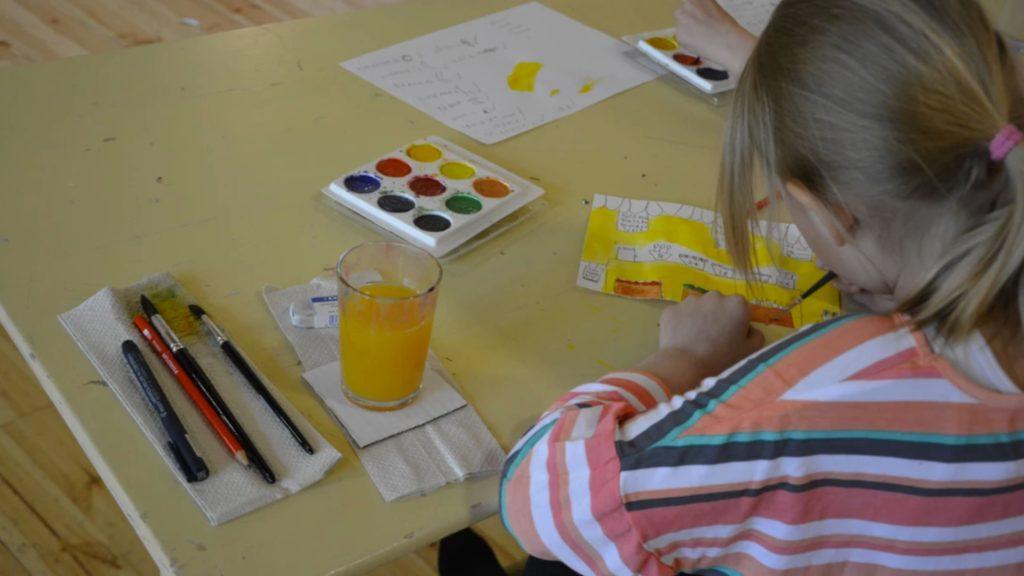 Det två-åriga förskoleundervisningsförsöket har som syfte att samla in information för kommande beslut.