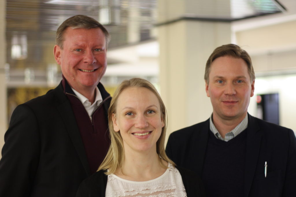 Mikael Grannas från Sibbo och Malin Brännkärr från Kronoby är nya ordinariemedlemmar i Kommunförbundets Grupp 44. Mats Brandt från Malax har suttit med sedan tidigare.