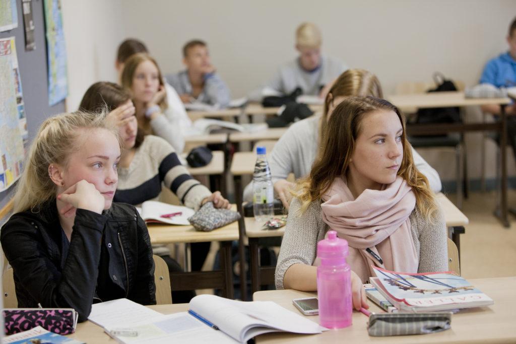 Gymnasieutbildningen förnyas, men finansieringen som reserverats för reformen ser ut att blir knapp, konstaterar Kommunförbundet.