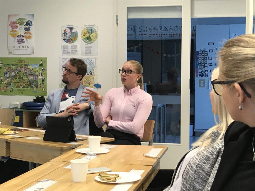 Minni Lehtopelto (Saml.) tror att tvåspråkigt skolcentrum kan locka barnfamiljer till Ingå.