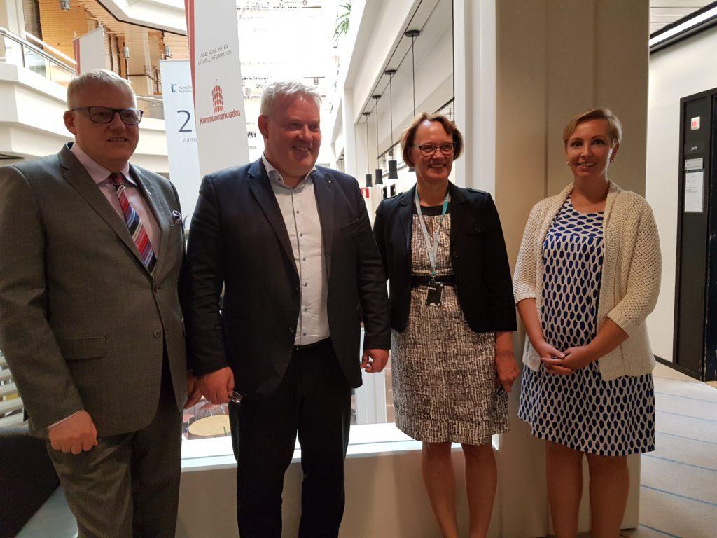 Islands ambassadör Árni Þór Sigurðsson, kommunminister Sigurður Ingi Jóhannsson, direktör Kristina Wikberg och teamledare Ida Sulin.