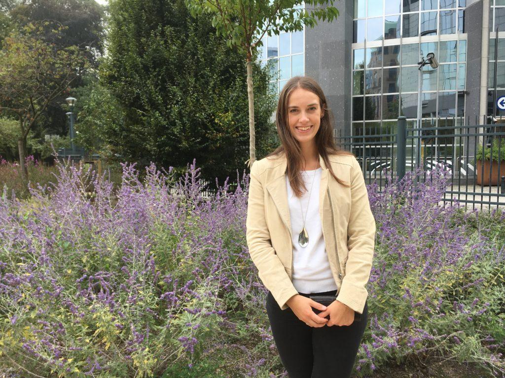 Rosanna Blomster har skrivit sin pro gradu-avhandling vid Åbo Akademi om demokratiska innovationer på kommunal nivå.