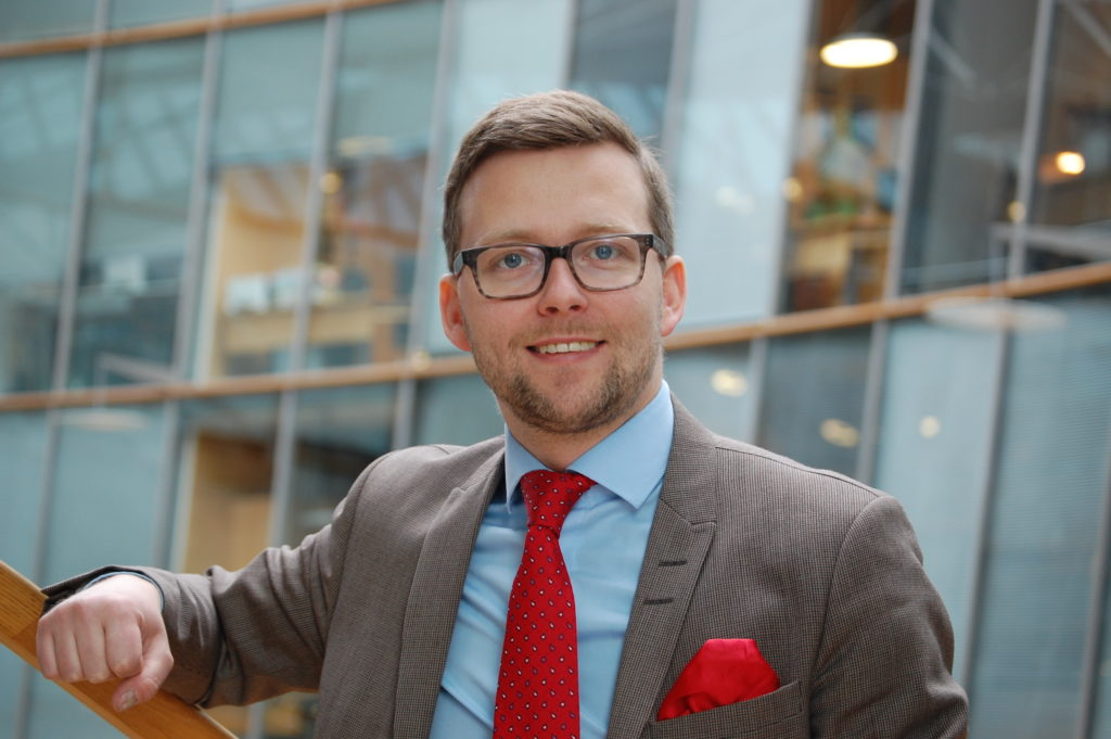 Mats Löfström kräver en justering av den så kallade åländska klumpsumman.