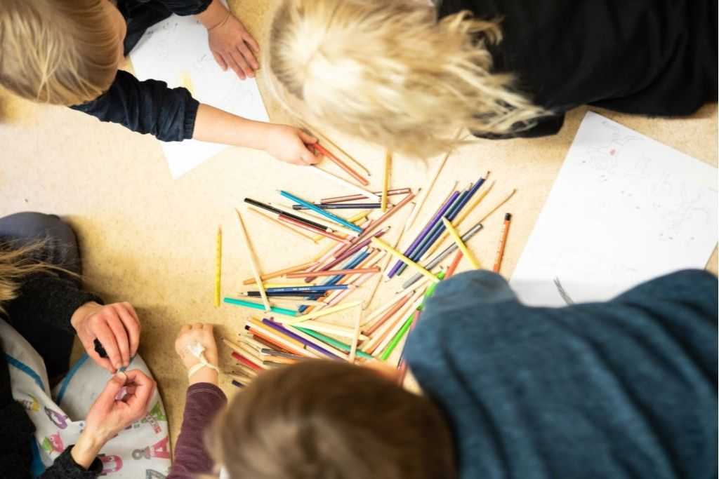Tillfälliga daghem i Åbo är inte ändamålsenliga och dras med dålig inomhusluft. Barnen på bilden har inte med dagisproblematiken att göra.