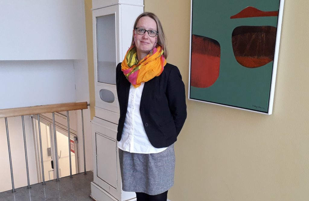 Sari Välimaa är kommunagent med uppgift att utveckla samarbetet mellan bildningsväsendet och social- och hälsovårdssektorn.