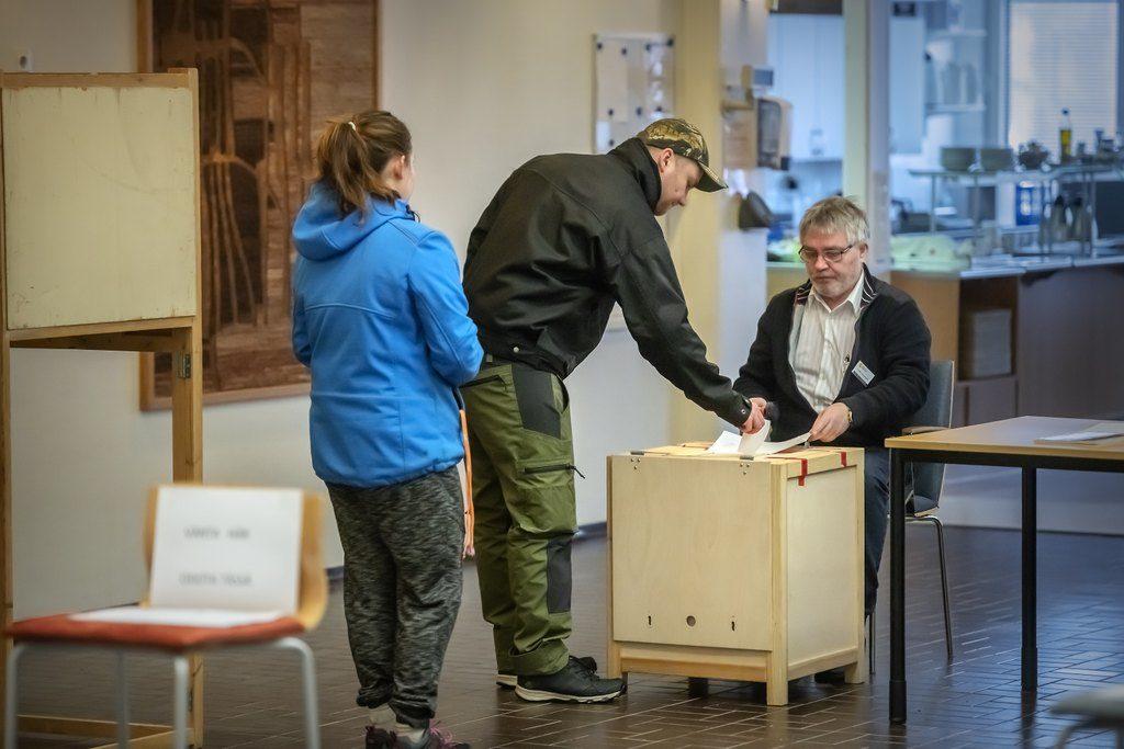 Valdeltagandet i den rådgivande folkomröstningen i Korsholm har varit livligt.