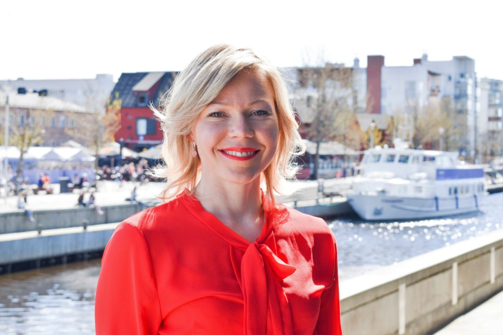Tytti Määttä är stadsdirektör i Kuhmo i Kajanaland.