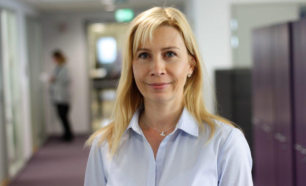 Gitta Harti är Svenskfinlands kommunagent, stationerad i Helsingfors.