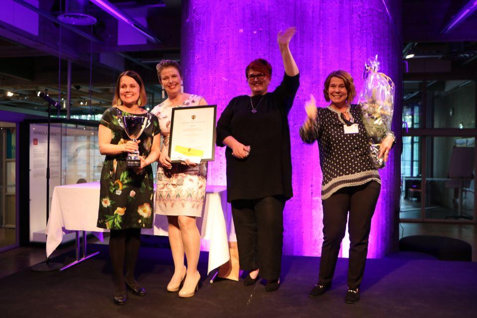 Här är vinnarna i FM i kommunal marknadsföring. Från vänster i bild Seinäjokis Tytti Kettula, Anu Männikkö, Krista Rintala och Tuula Lahti.