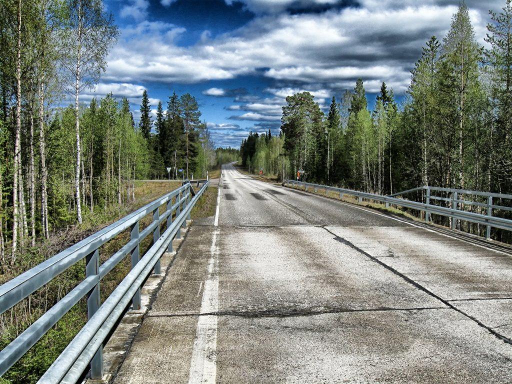 Statens finansiering av trafiknätverket har inte hållits på en tillräckligt hög nivå, anser Kommunförbundet och kommunerna.