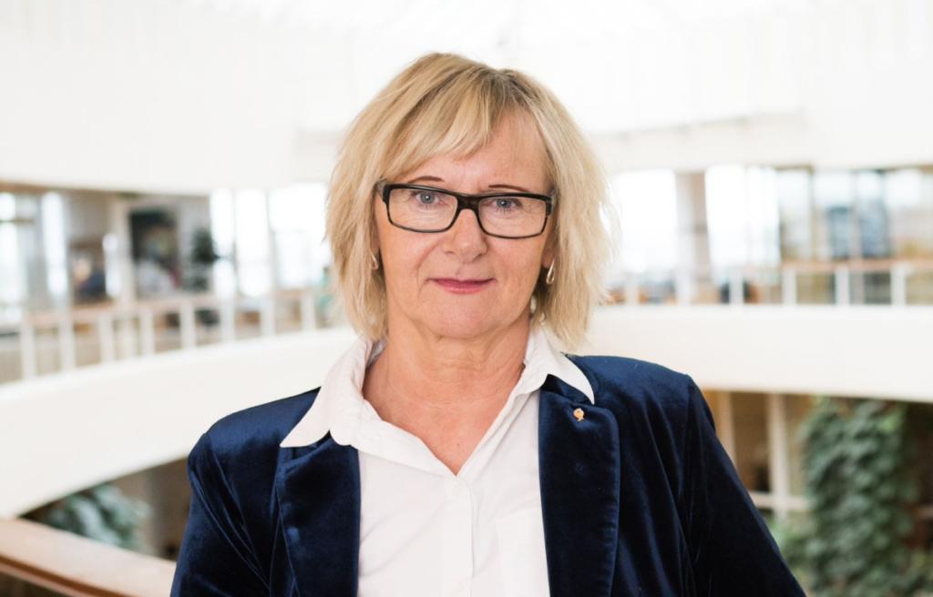 SKL:s Lena Micko är ny civilminister.
