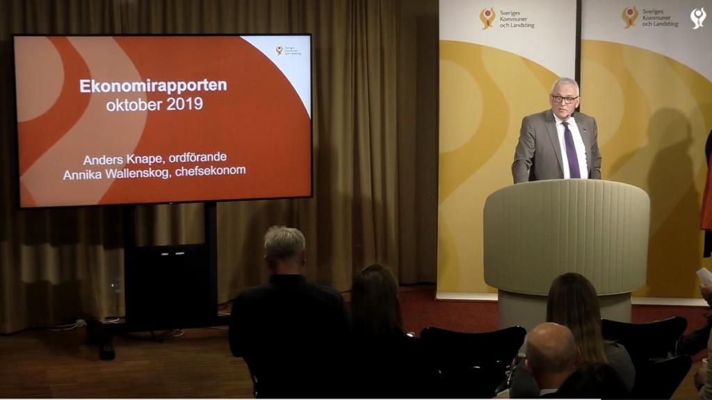 Ordförande för Sveriges Kommuner och Landsting, Anders Knape, presenterade en ekonomisk rapport för kommunerna den 16.10.2019,