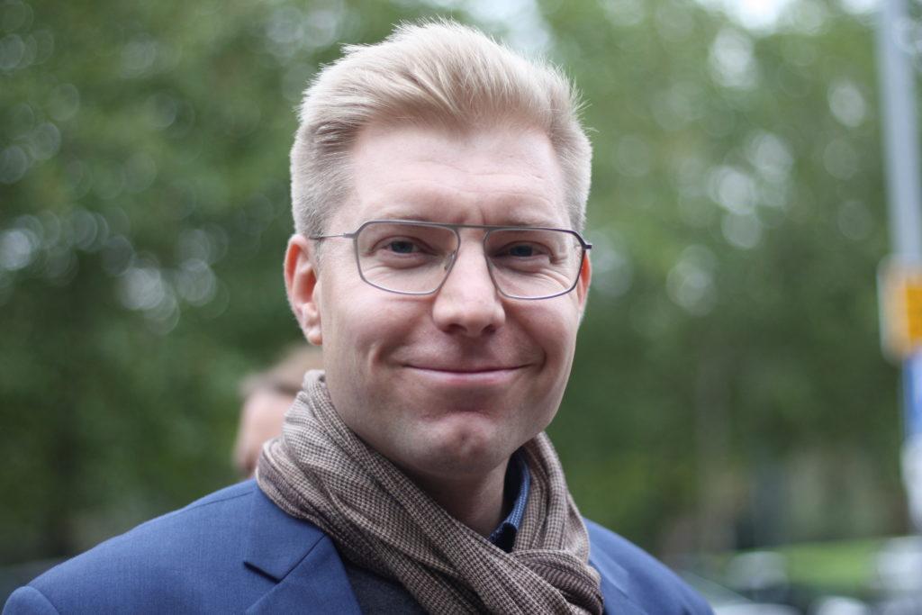 Sam Vuorinen är kommundirektör i Mörskom.