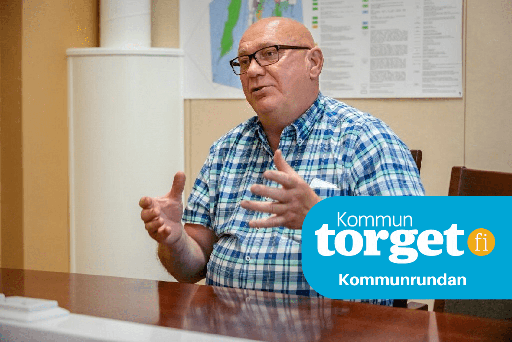 Fullmäktigeordförande Kari Häggblom (SDP) säger att hans parti är principiellt emot att anställda sägs upp till förmån för köptjänster, men också att det kan bli nödvändigt.