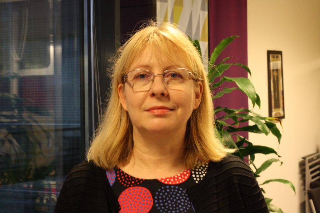 Ylva Krokfors på Invalidförbundet säger att många kommuner underbudgeterar närståendevården. Foto: Dan Lolax