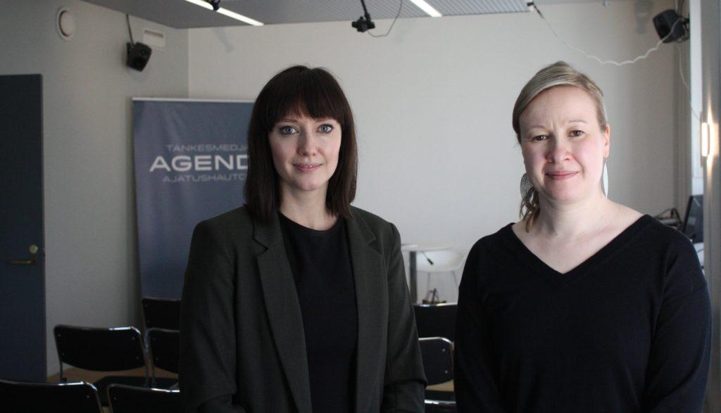 Johanna Nordmyr, t.v., och Anna K. Forsman, doktorand respektive docent vid Åbo Akademi, har författat tankesmedjan Agendas senaste rapport.