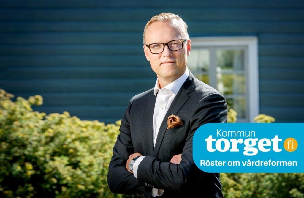 Jukka-Pekka Ujula säger att vårdreformen, om den blir av, understryker vikten av att se över kommunernas uppgifter. Enontekis kan inte förväntas ha samma ansvar som Helsingfors.