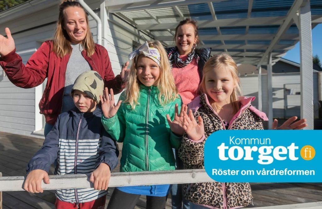 Mammorna Kajsa Myrevik och Mirella Enlund här tillsammans med barnen Hugo och Lydia Myrevik och Alicia Enlund har goda erfarenheter av diabetsvården. Kvalitet och närhet är viktiga för familjer med långtidssjuka barn.