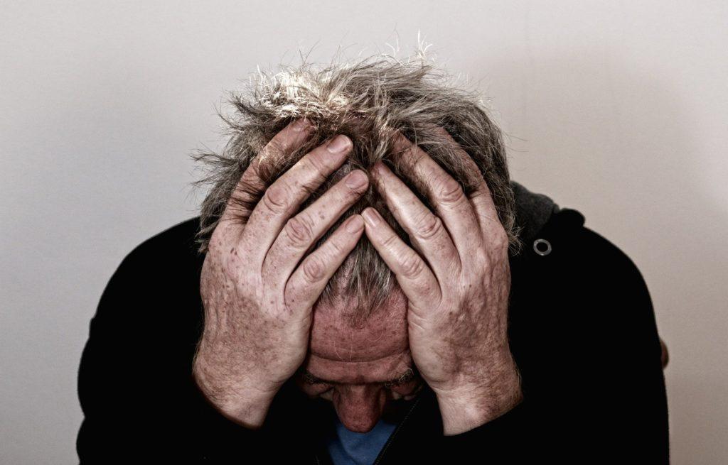 Symptomen på utbrändhet har samband med upplevelsen av brådska, stress och arbetets psykiska belastning.