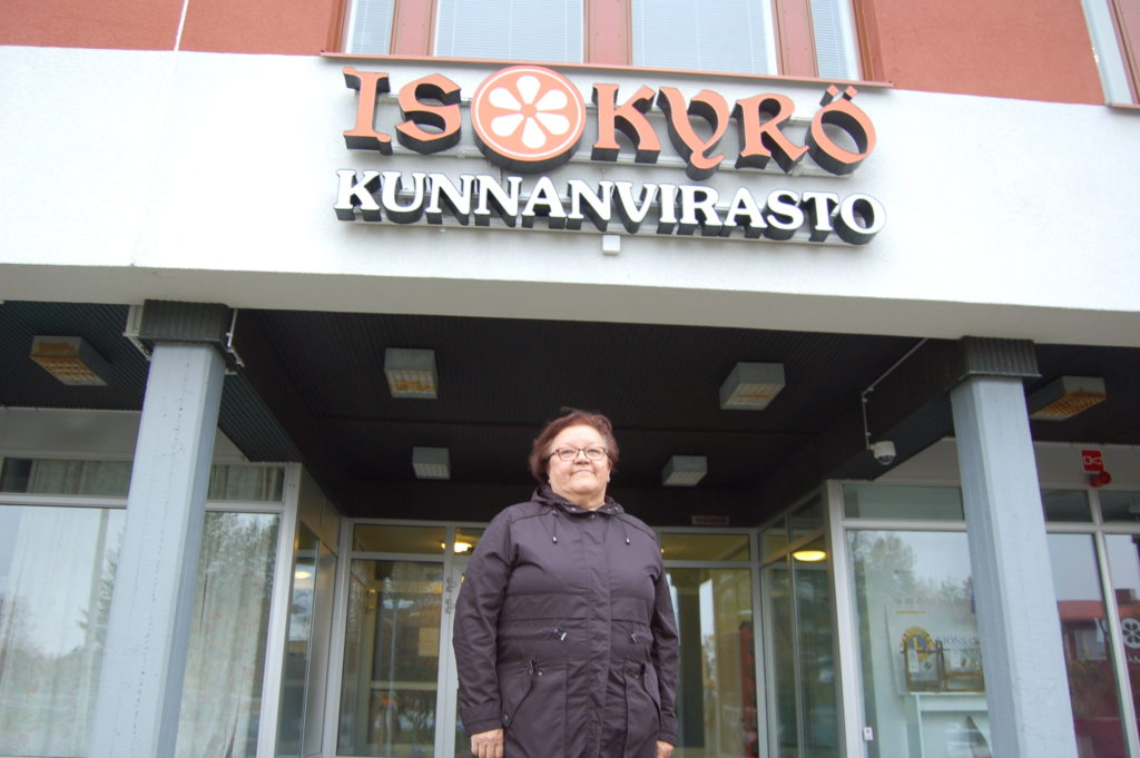 Anslutningen till Södra Österbotten är ett naturligt steg för Storkyro, säger styrelseordförande Mirva Mäki-Rammo. Skolhälsovårdaren Mäki-Rammo har själv gjort comeback i kommunalpolitiken under den här mandatperioden efter ett uppehåll på åtta år.