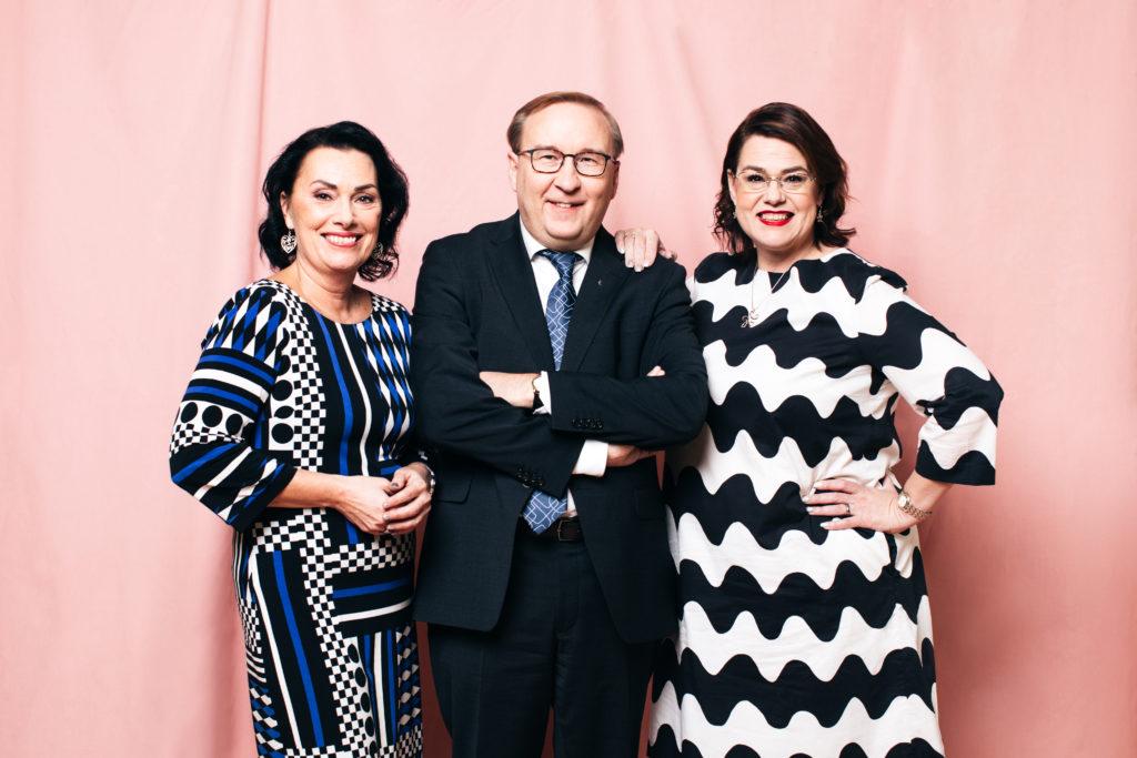 Kommunförbundets vd-trio Hanna Tainio, Timo Reina och Minna Karhunen.
