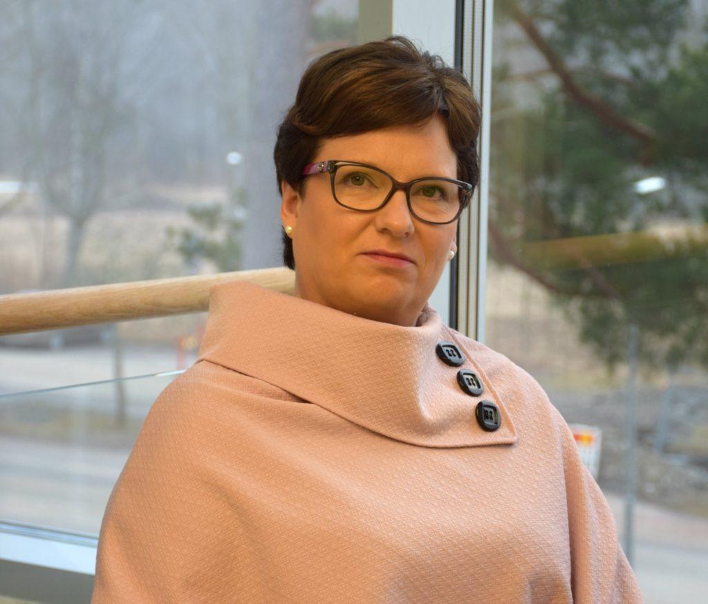 Sofia Ulfstedt lämnar Kårkulla samkommun på grund av den konflikt som pågått sedan i maj i fjol.