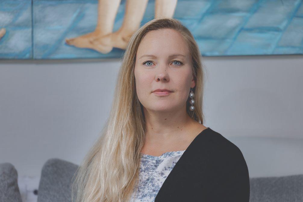 Kommunerna ska ställa egna klimatmål. Utan deras insats blir Finland inte koldioxidneutralt 2035, säger Greenpeace ledare i Finland, Hanna Paulomäki.