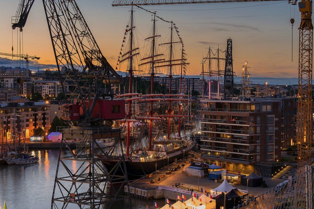 Tall Ships vid Aura å. Tävlingen ska besöka Åbo igen i år.