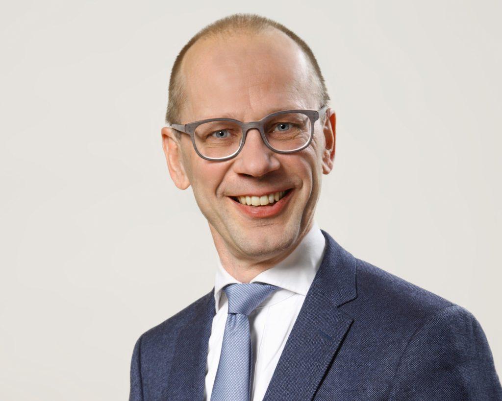 Otto Ilmonen har jobbat inom den kommunala förvaltninen i Korpo och Pargas.