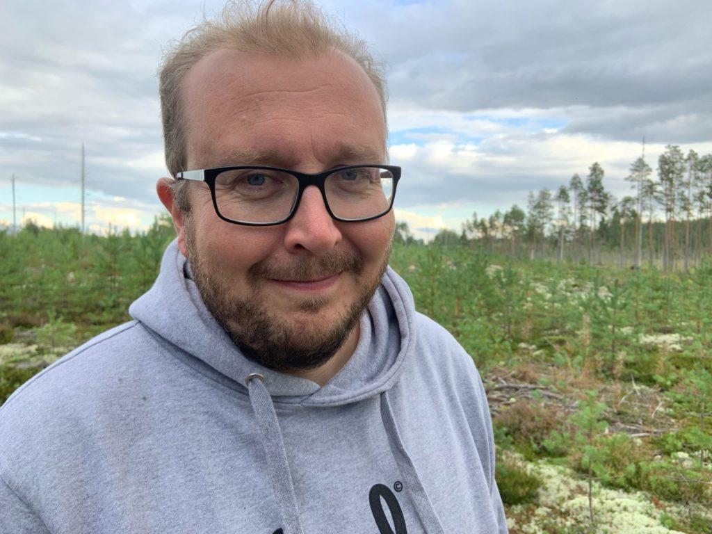 Antti Koivukangas är uppvuxen med starka Centertraditioner. Medlemskapet i SFP är pinfärskt.