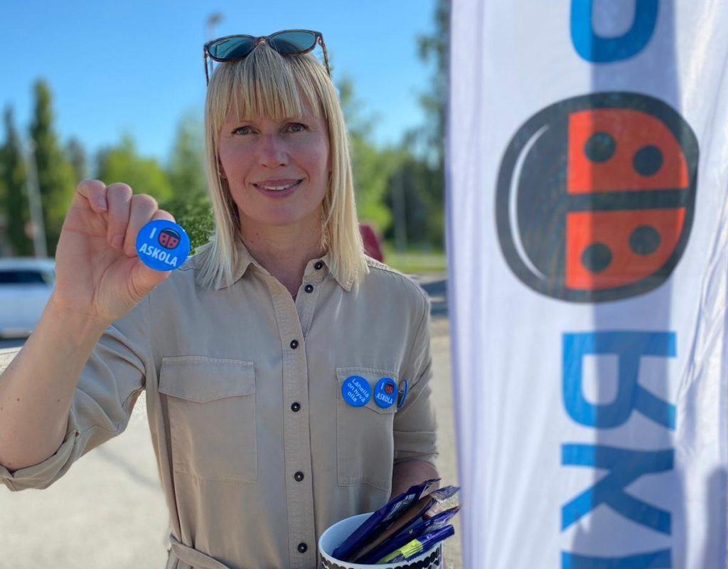 Askolabon Petra Lind säger att hon blivit väl emottagen i fullmäktige, som är en jämn och bra blandning av gamla och nya ledamöter.